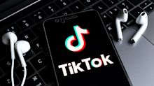 Trump bans TikTok and WeChat from US app store
