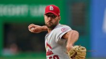 Wainwright wins in 1st game at Cleveland, Cards top Indians