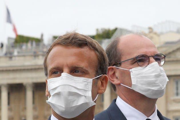 La confiance des Français envers l'action de Macron et Castex recule en janvier, selon un sondage