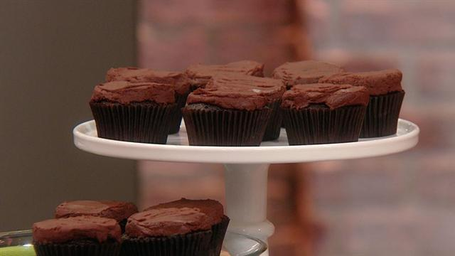 Mayim Bialik's Vegan Chocolate Fudge Cupcakes