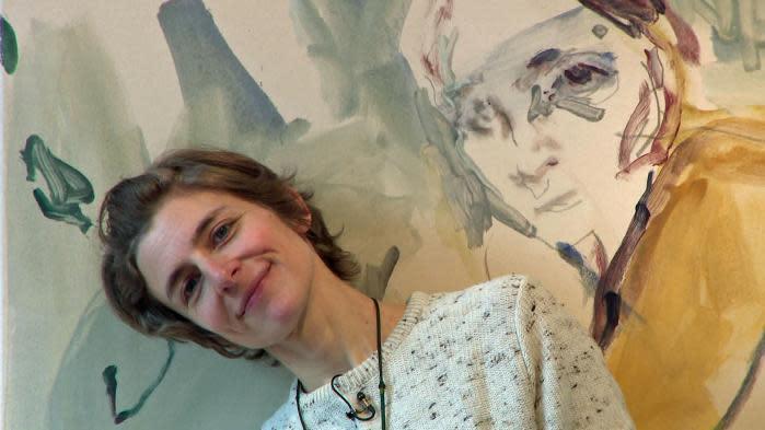 Les peintures oniriques d'Ann Loubert envoûtent les visiteurs d'une galerie de Strasbourg