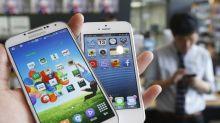 """""""Ha copiato l'Iphone"""". Samsung dovrà pagare 500 milioni di dollari a Apple"""