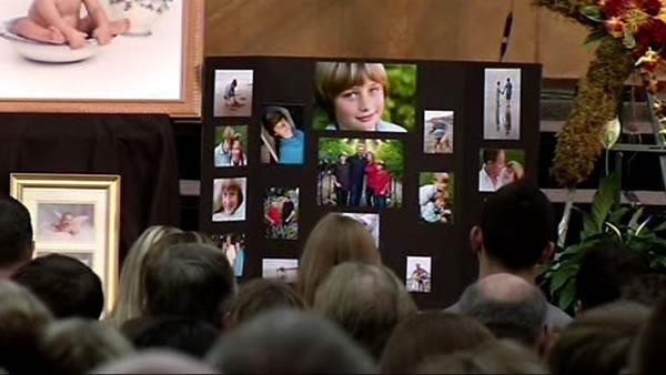 Public memorial held for teen killed in raceway crash