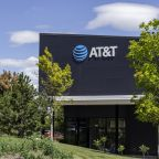 Top trending: Another parent charged in college admission scandal, will AT&T unload DirecTV?