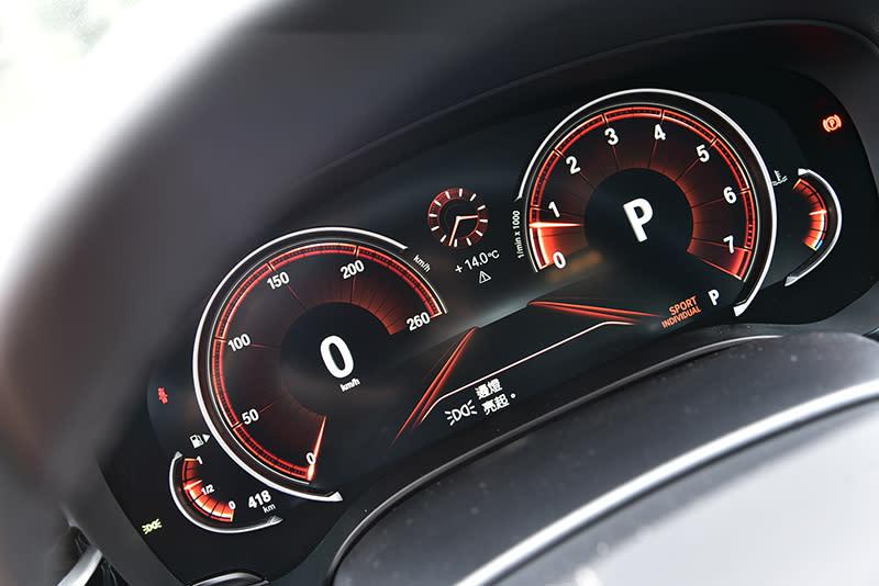 ▲可顯示多重樣貌的液晶螢幕儀錶已經快要成為豪華品牌的表準配備了。