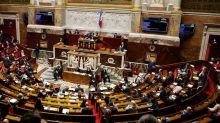 Loi sécurité globale: le texte controversé adopté par le Parlement