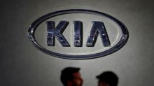 U.S. probes Kia headlight failures, GM steering issues