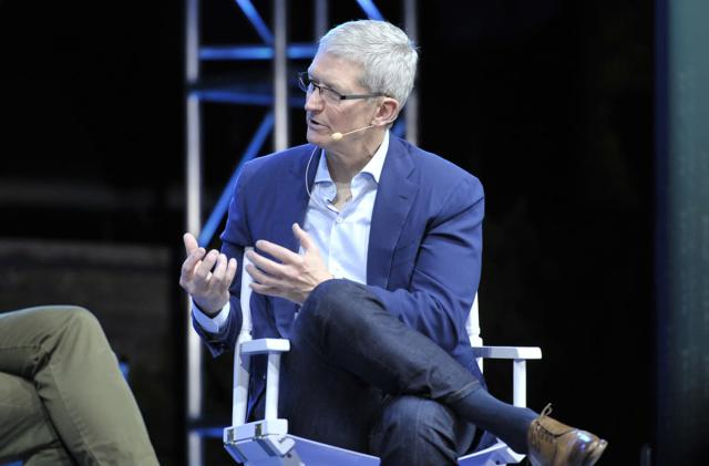 Tim Cook expects 'massive change' in the auto industry
