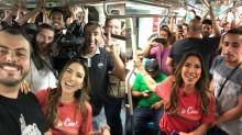 Patricia Abravanel anda de metrô pela primeira vez em SP: 'Primeiro mundo'