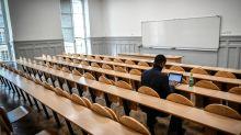 """""""Chez moi, je n'y arrive pas"""" : des étudiants déprimés par les mesures anti-Covid"""