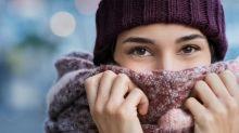 Manger de la glace, porter une écharpe… Ces astuces sont-elles vraiment efficaces contre les maux de gorge ?