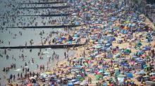 UK weather: heatwave to continue into next week