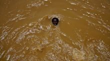 18 fotos que muestran lo contaminadas que pueden llegar a estar las aguas en las que se baña la gente en el mundo