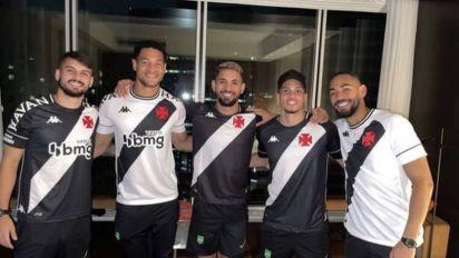 'SeleVasco': Richarlison, Matheus Cunha e crias do Vasco vestem uniforme do time em Tóquio