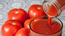 Why people drink tomato juice on planes