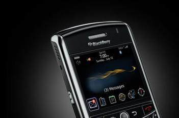 Sprint matches Verizon's pace, launching BlackBerry Tour on July 12