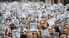 Un cuarto de siglo sin justicia por el peor atentado perpetrado en Argentina