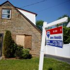 U.S. home sales tumble as supply constraints linger