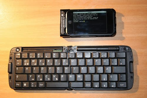 DIY external iPhone keyboards get a tad more practical