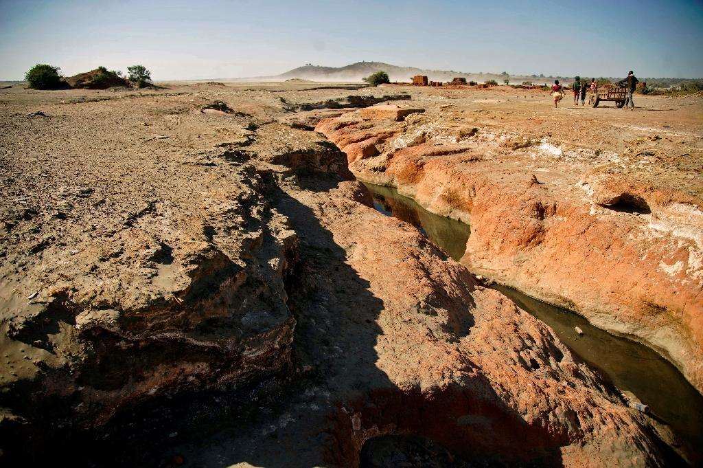 A ravine in the desert area close to Kaputula in the province of Upper Katanga, which has been polluted by waste discharged from the mining of copper and cobalt (AFP Photo/Junior Kannah)