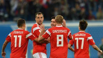 Rússia resolve em 15 minutos, vence o Egito e fica muito perto das oitavas