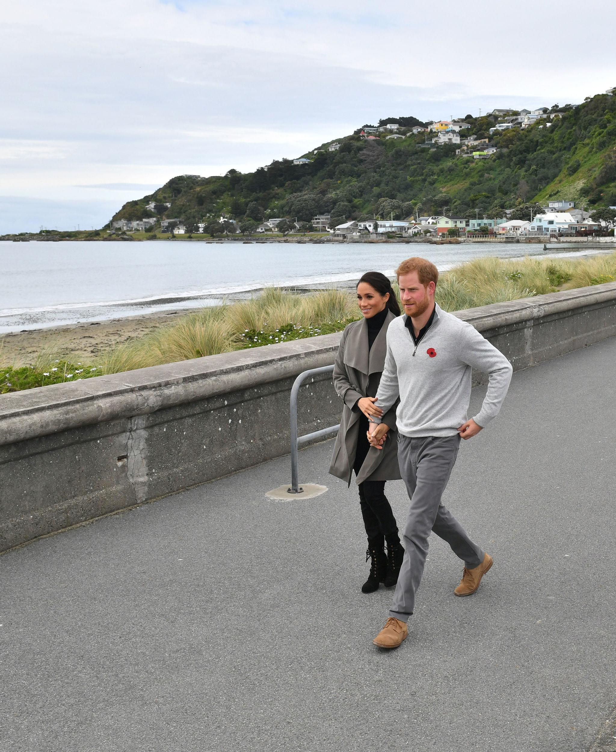 The Duke and Duchess of Sussex, ahead of meeting with young people in the mental health sector at the Wellington Cafe, Wellington, New Zealand.