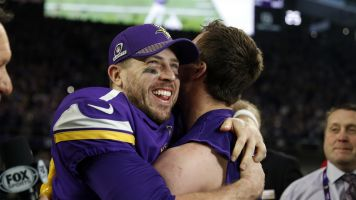 Keenum shares stories of 'Minneapolis Miracle'
