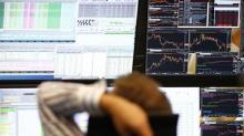 Acciones europeas se mantienen firmes pese a caídas de bancos y bolsa española