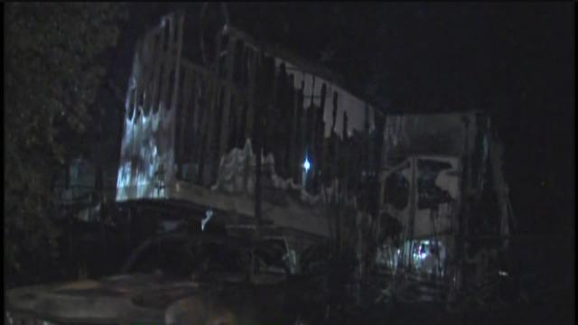 Mobile homes destroyed in junkyard fire