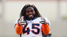 Broncos' LB Alexander Fires Off Controversial Tweets After Players Cancel OTAs