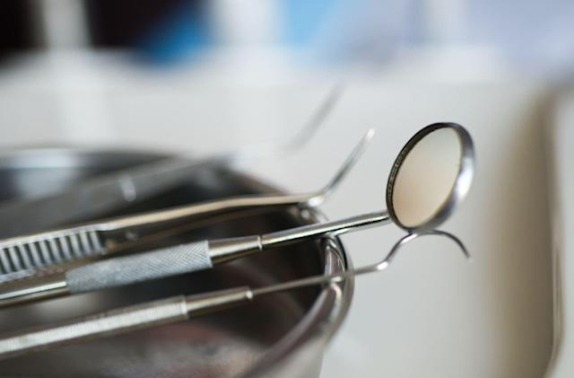 Some brave soul volunteered for a completely robotic dental surgery