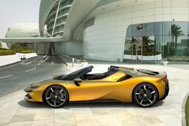 地表最強最瞎趴敞篷超跑問世!Ferrari 986 匹馬力新型敞篷超跑 SF90 Spider