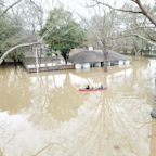 Historic flooding slams Mississippi as river continues to rise: 'This thing isn't over yet'