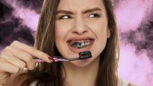 El blanqueador de dientes que apenas cuesta 15 dólares y es poco abrasivo