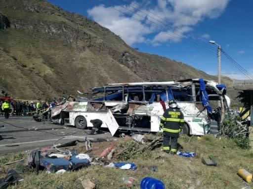 Ecuador halla marihuana en autobús siniestrado que partió de Colombia