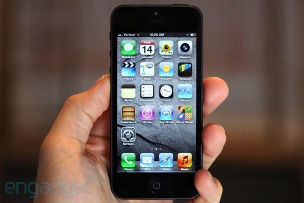 Apple sold over two million iPhone 5s in China in first weekend