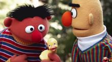 'Sesame Street' Takes on 'Despacito' With Rubber Duckie Cover 'El Patito' (Video)