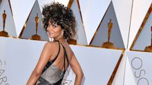Oscars 2017: Halle Berry Strips Off Her Oscars Gown, Dives Into the Pool – All Set to Bruno Mars