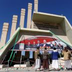 Pressure builds on Yemen's warring parties as peace talks focus on port