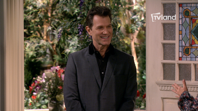 Chris Isaak Guests on 'Hot in Cleveland'