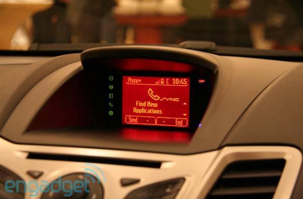 Ford SYNC AppLink gets rolling in ten new models, still just three apps deep