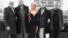 Jennifer Lawrence, critiquée pour avoir porté une robe légère par temps froid, réagit à la controverse