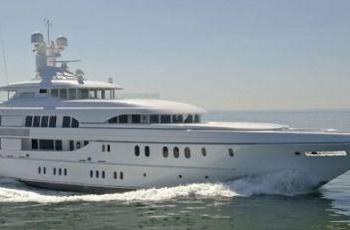$600k a week iPad-controlled charter yacht