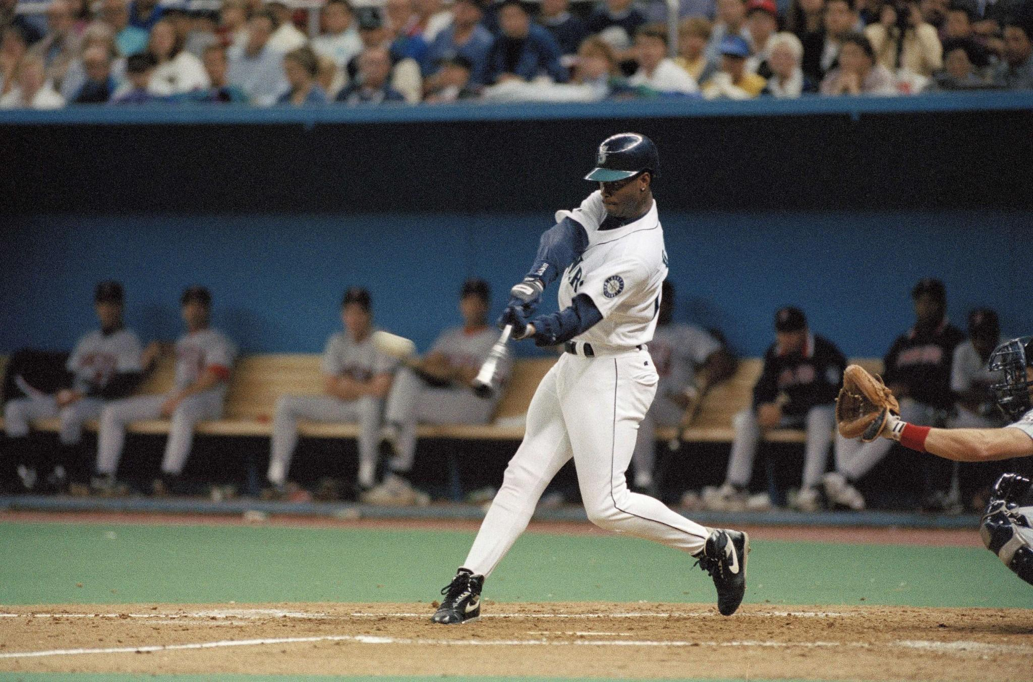 595b987e79 15 things that made Ken Griffey Jr. the coolest baseball player ever