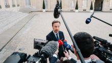 """Déboulonnage des statues controversées : une """"vision de l'histoire totalement anachronique"""" pour Stéphane Bern"""