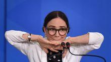 """Mais de 500 artistas assinam manifesto contra Regina Duarte: """"Não nos representa"""""""