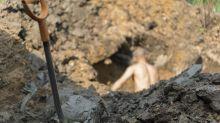 Indonesien: Maskenverweigerer müssen Gräber ausheben