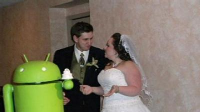 Social Wire: Android Wedding