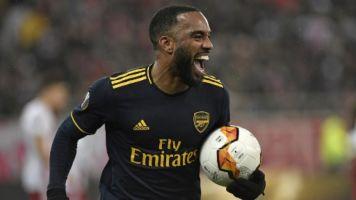 Juventus tem plano B caso não feche com Milik: Lacazette, do Arsenal