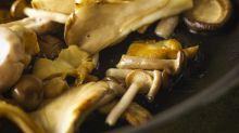 Nicht einfach braten: Experte rät, Pilze zu kochen